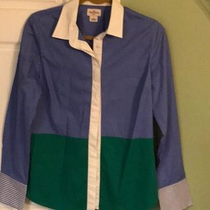 Ladies button down top. New condition.
